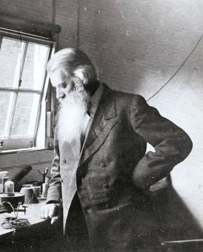 Sir Joseph Wilson Swan - Inventor photo
